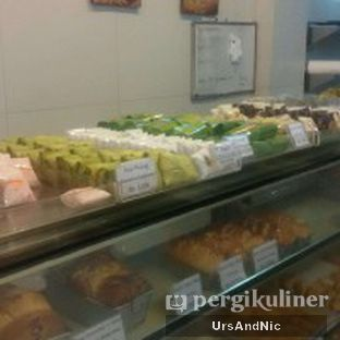 Foto 8 - Makanan di Dandy Bakery oleh UrsAndNic