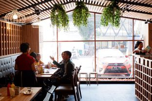 Foto review Chir Chir oleh yudistira ishak abrar 9