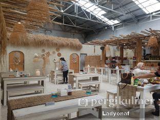 Foto 7 - Interior di Hey Beach! oleh Ladyonaf @placetogoandeat