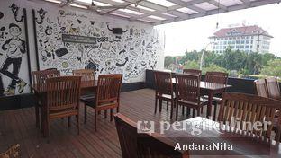 Foto 7 - Interior di Widstik Coffee oleh AndaraNila