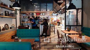 Foto 2 - Interior di Mokka Coffee Cabana oleh UrsAndNic