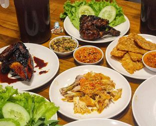 Foto - Makanan di Sambal Khas Karmila oleh @Foodbuddies.id | Thyra Annisaa