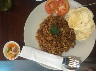 Foto 1 - Makanan(Nasi Goreng Buntut (IDR 35k)) di Kaffeine Kline oleh Renodaneswara @caesarinodswr