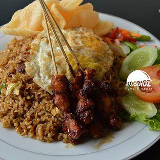 Foto 1 - Makanan di Nasi Goreng Batavia oleh IG: FOODIOZ