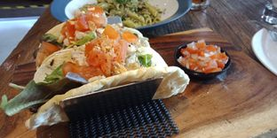 Foto 2 - Makanan(Little mexican pizza (IDR 45k) ) di Pizzeria Cavalese oleh Renodaneswara @caesarinodswr