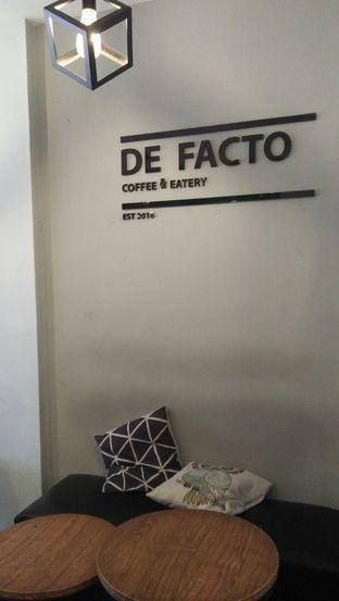 Foto 2 - Interior di De Facto Coffee & Eatery oleh Review Dika & Opik (@go2dika)