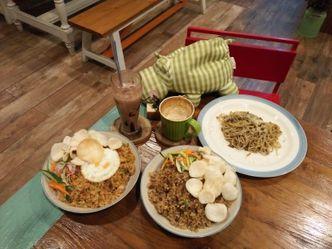 Foto Makanan di Arung Senja