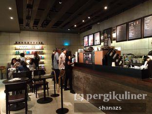 Foto 4 - Interior di Starbucks Reserve oleh Shanaz  Safira
