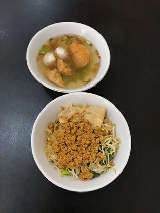 Foto 4 - Makanan(Bakmi Spesial - Mie Lebar (56k)) di Bakmi Aliang Gg. 14 oleh Riris Hilda