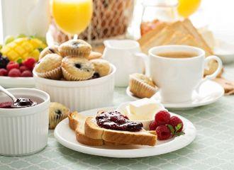 Selalu Ada di Restoran Hotel, Sebenarnya Apa Itu Continental Breakfast?