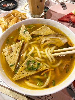 Foto 1 - Makanan(Banh Canh Gio Heo) di Co'm Ngon oleh Stellachubby