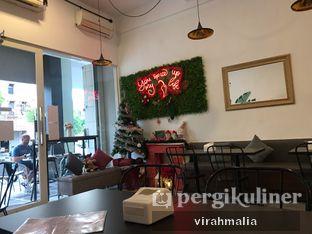 Foto 3 - Interior di Five Spice Eatery and Coffee oleh Delavira