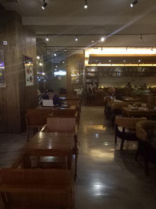 Foto 3 - Interior di Caffe Bene oleh Namira