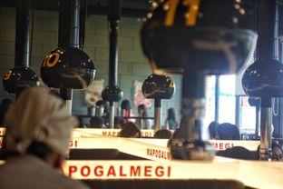 Foto 10 - Interior di Magal Korean BBQ oleh Fadhlur Rohman