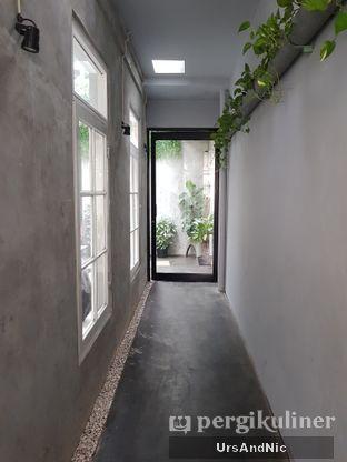 Foto 10 - Interior di Kinari Coffee Shop oleh UrsAndNic