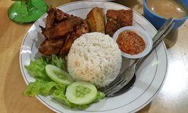 Ayam Penyet & Soto Betawi Mama Hilda