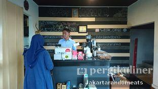 Foto 16 - Interior di Widstik Coffee oleh Jakartarandomeats
