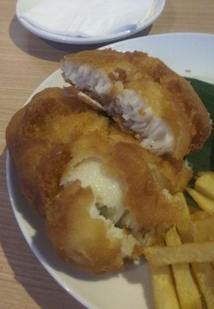 Foto 2 - Makanan(Fish & Chips (IDR 61k) ) di Lurik Coffee & Kitchen oleh Renodaneswara @caesarinodswr