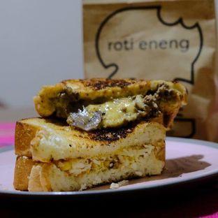 Foto 1 - Makanan di Roti Eneng oleh YSfoodspottings