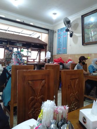 Foto Interior di Pondok Bakso Condong Raos