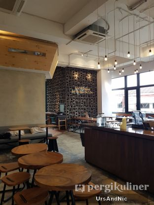 Foto 3 - Interior di Crematology Coffee Roasters oleh UrsAndNic
