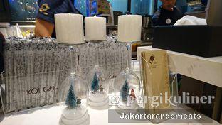 Foto 2 - Interior di KOI The oleh Jakartarandomeats