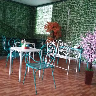 Foto 1 - Interior di Ecology Cafe oleh Andin | @meandfood_