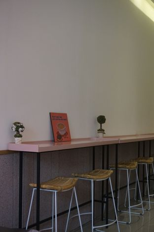 Foto 2 - Interior di Lala Coffee & Donuts oleh yudistira ishak abrar