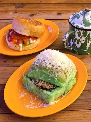 Foto 1 - Makanan di LuckyBee Bread & Grill oleh yudistira ishak abrar