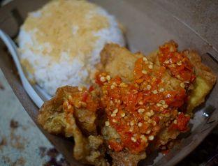Foto 1 - Makanan(sanitize(image.caption)) di Nasi Telur Babak Belur oleh Fadhlur Rohman