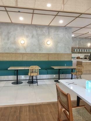 Foto 14 - Interior di Dailydose Coffee & Eatery oleh Prido ZH