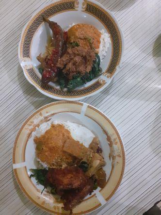 Foto Makanan di Rumah Makan Mata Air