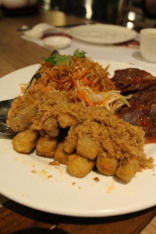 Foto 2 - Makanan(Talas Goreng Telur Asin Dengan Abon Ayam) di The Grand Ni Hao oleh YSfoodspottings