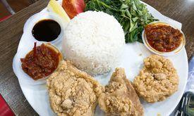 Mama Ayam Goreng Renyah