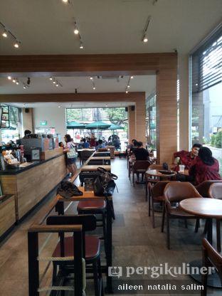 Foto 2 - Interior di Starbucks Coffee oleh @NonikJajan
