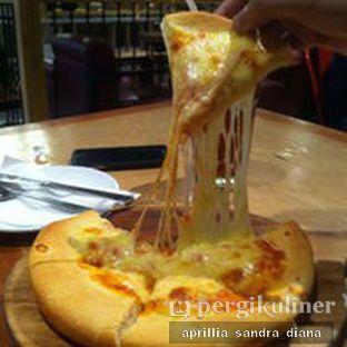 Foto 5 - Makanan(Cheese Pizza) di Imperial Cakery & Cafe oleh Diana Sandra