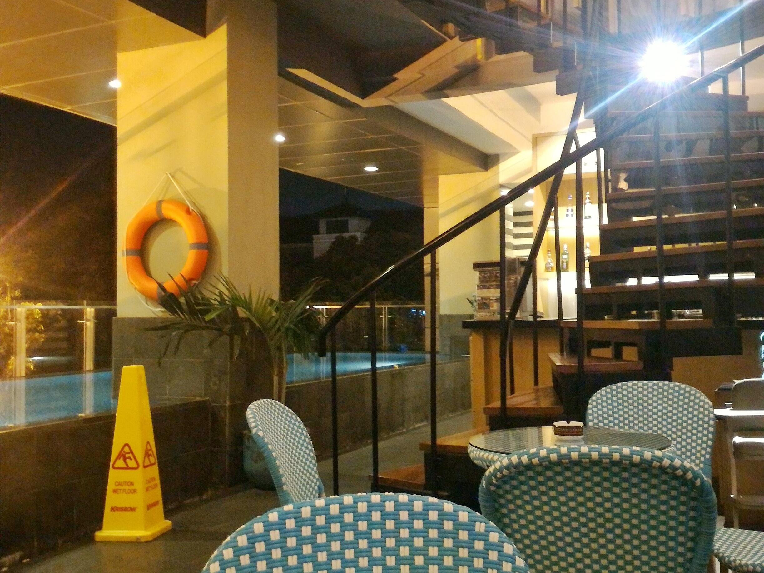 Terraza Lounge Hotel The 1o1 Darmawangsa Lengkap Menu