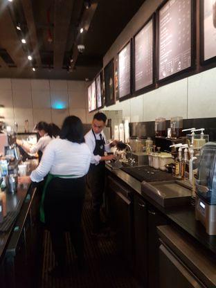 Foto 3 - Interior di Starbucks Reserve oleh Lid wen