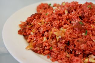 Foto 5 - Makanan(Nasi Goreng Merah) di RM Irtim Makassar oleh Chrisilya Thoeng