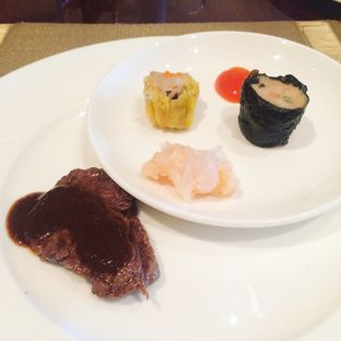 Foto 4 - Makanan di The Cafe - Hotel Mulia oleh Yulia Amanda