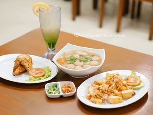 Foto 1 - Makanan di Sop Bakso Mama Khouw oleh Huntandtreasure.id