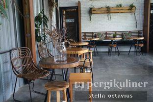 Foto 2 - Interior di Popolo Coffee oleh Stella @stellaoctavius