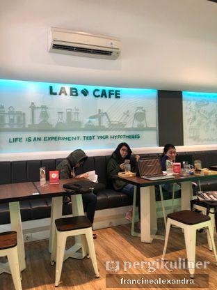 Foto 14 - Interior di Lab Cafe oleh Francine Alexandra