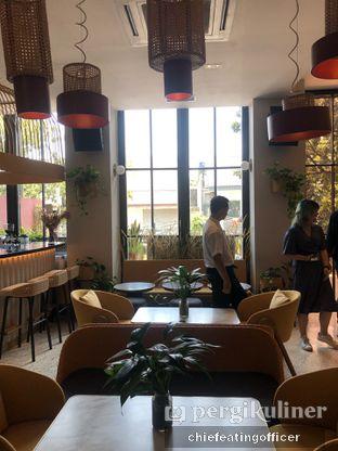 Foto 11 - Interior di Akar Restaurant and Bar oleh feedthecat