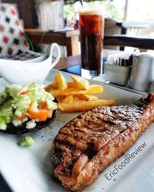 Foto - Makanan(Sirloin Steak) di Rumah Miring oleh Eric  @ericfoodreview