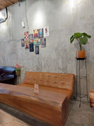 Foto 7 - Interior di Kenzo Coffee oleh Mouthgasm.jkt