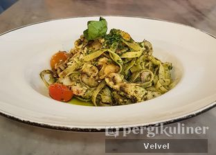 Foto 1 - Makanan(Fettucine Pollo El Funghi) di Pizza Marzano oleh Velvel