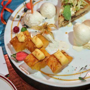 Foto 3 - Makanan(Ananas roti hawaien) di Le Quartier oleh Stellachubby