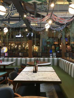 Foto 2 - Interior di Pish & Posh Cafe oleh Prido ZH