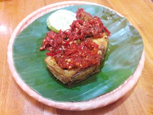 Foto review Mlinjo Cafe & Resto oleh Michael Wenadi  5